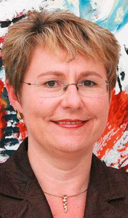 Dr Andrea Schwarzinger 5 08 Oberosterreichische Versicherung